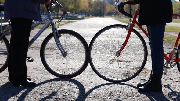 Reunirse con el vendedor al comprar una bicicleta de segunda mano