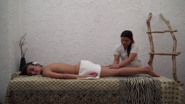 Massage thai girl Hidden Thai