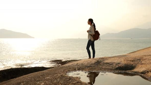 Woman traveling at the seaside