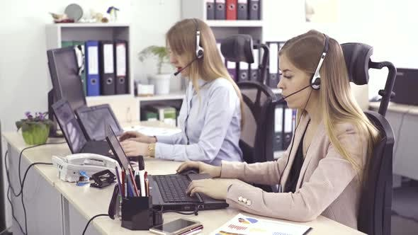 Operators of Support Customer Service - Call Center, Online